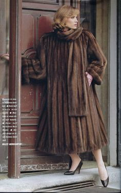 Sable - Classy, Elegant, Fantastic ❤♔Life, likes and style of Creole-Belle ♥ Fashion Mag, Fur Fashion, Fashion Photo, Vintage Fur, Vintage Looks, Mink Fur, Mink Coats, Fur Clothing, Fabulous Furs