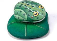 How to paint a frog on a lily pad - Rock painting tutorial