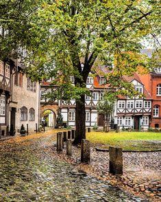 #braunschweig #exploregermany #topstreetphoto #ok_streets #igworldclub_cityscape #theprettycities #travelanddestinations #CBViews…