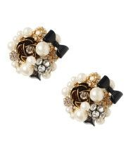 <3 Cute stud earrings <3