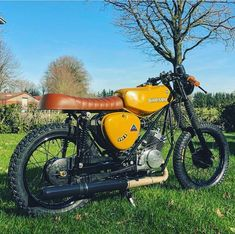 - rollerchen - Car World Simson Moped, Custom Moped, Tracker Motorcycle, Audi 100, Cafe Racing, Old Motorcycles, Old Bikes, Car Tuning, Tiny House On Wheels