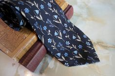 Men's Vintage Necktie Pure Silk Blue Floral Pattern - Made in England - pinned by pin4etsy.com
