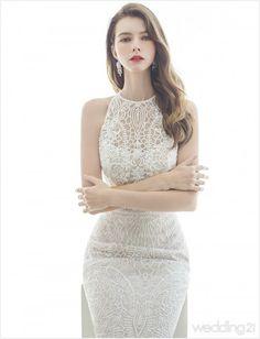 Lace Dress Styles, Disney Princess Dresses, Wedding Party Dresses, Feminine Style, Beautiful Bride, Designer Dresses, Vintage Dresses, Marie, Girl Fashion