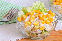 Салат с кальмарами, кукурузой и огурцом