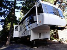"2007 Used Carriage Cameo 35FD3 Fifth Wheel in California CA.Recreational Vehicle, rv, Carriage Cameo 35' Ft Fifth Wheel F35FD3 The best ""like-new condition"" you're going to find. You'll find none nicer!!! Selling a meticulously maintained F35FD3, housed up in Lake Arrowhead, California. Included in this coach, besides the Standard Equipment Package, are Cameo's Luxury and Performance Package. This four seasons luxurious 5th wheel is one of the finest built coaches in the industry. It is 35'…"