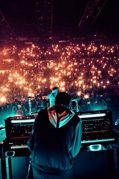 For every Twenty One Pilots song - Iomoio Twenty One Pilots Live, Twenty One Pilots Aesthetic, Trance, Vicar Of Dibley, Twenty One Pilots Wallpaper, Festival Photography, Screamo, Tyler Joseph, Blink 182