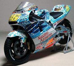 Amazing Surfin' honda nsr 500 2s Rossi Mugello 2000