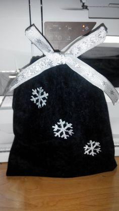 snowflakes bag