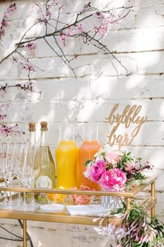 Impress your squad right out of the gate with an uber fancy DIY bubbly bar.