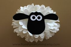 Shaun the Sheep Inspired Character Pom by PomPomMomma on Etsy Barnyard Party, Farm Party, Farm Birthday, Animal Birthday, Birthday Party Decorations, Birthday Parties, Easter Crafts, Crafts For Kids, Sheep Crafts
