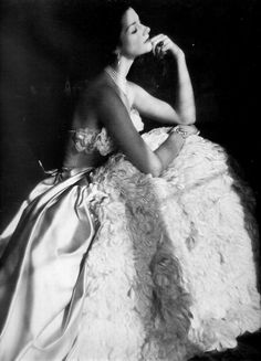 Comtesse Consuelo Crespi wearing an evening gown, 1952. Photo by Henry Clarke