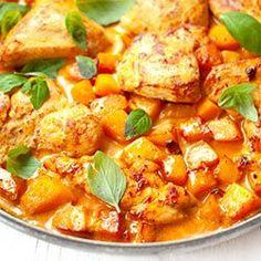 Kurczak w sosie z gorgonzoli / Chicken in Gorgonzola Sauce Gorgonzola Sauce, Cooking Recipes, Healthy Recipes, Healthy Food, Fast Dinners, Thai Red Curry, Squash, Food And Drink, Pumpkin