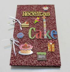 Caderno personalizado em cartonagem forrado em tecido . Montagem:argolas articuladas e apliques em relevo.
