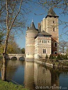 Castillo des Réaux, Loire, France