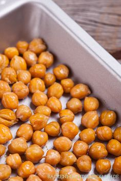 Im Ofen geröstete Kichererbsen – der perfekte und gesunde Snack | http://www.backenmachtgluecklich.de