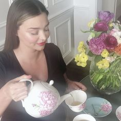 "Miranda wanted the design to be ""romantic, nostalgic and fun"" #mirandakerr #royalalbert #tableware #casualdining #tablescape #onthetable"