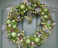 Hey, I found this really awesome Etsy listing at http://www.etsy.com/listing/158040033/gorgeous-green-christmas-wreath-glitter