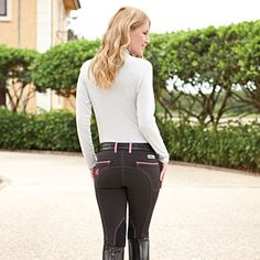 ON HORSE NATION >> It's Official. We freaking love @smartpak Piper Breeches. Click through to see what else were on our must-have list!