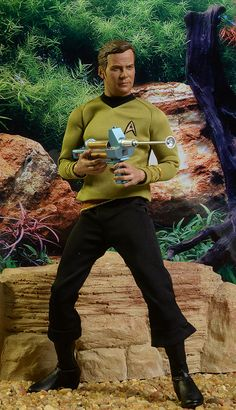 Star Trek Captain Kirk sixth scale action figure by Qmx. It is getting harder to find this guy each day that passes by because they were sold out fast. Too many Star Trek fans! Star Trek Toys, Star Trek Action Figures, Watch Star Trek, Star Trek Captains, Star Trek Images, Star Trek Characters, Star Trek Original, Mundo Comic, Star Trek Universe