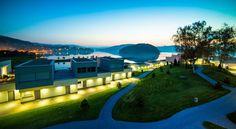 Set in Gródek Nad Dunajcem, Lemon Resort SPA offers a modern, glass restaurant overlooking Lake Rożnowskie, free access to an indoor swimming pool and a. Glass Restaurant, Spa Offers, Indoor Swimming Pools, Saunas, Quito, Hotel Spa, Jacuzzi, Resort Spa, Poland