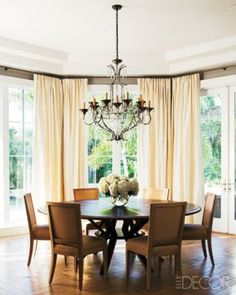 loving this round dining table