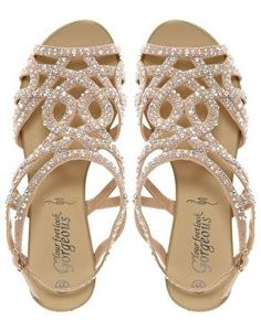 Oh my!lovely! #flats #sandals