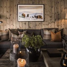 Mountain Cabin Decor, Log Cabin Living, Chalet Interior, Lodge Style, Chalet Style, Small House Decorating, Rustic Decor, Living Room Decor, House Design
