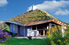 Straw bale house in Friland Ecovillage, Denmark