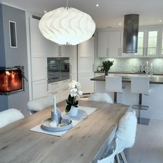 Sunday Bliss✨ #kitchen #kjøkken #interior123 #interior4all #interior4you1 #interiorstyled #classyinteriors #stemning Building A House, Sweet Home, New Homes, Dining Table, Ceiling Lights, Bliss, Design, Furniture, Modern Kitchens