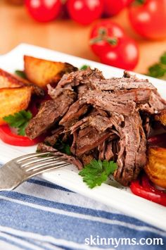 Skinny Slow Cooker BBQ Pulled Pork is a convenient weekday meal. Make pulled pork, include sweet potatoes in dish. Crock Pot Slow Cooker, Slow Cooker Recipes, Crockpot Recipes, Cooking Recipes, Healthy Recipes, Simple Recipes, Healthy Options, Lunch Recipes, Healthy Tips