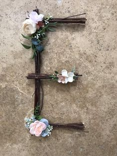 A chic rustic deer antler decor with flower crown. Perfect for a family room or little girls room. Rustic Wall Letters, Letter Wall, Letter Monogram, Monogram Wall, Twig Crafts, Nature Crafts, Stick Letters, Crystal Mobile, Twig Art