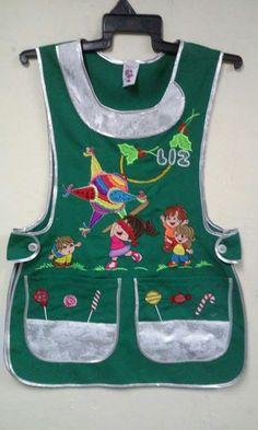 Modelo navideño Tergal verde con bies plata Bordado,piñata Apron, Baby Shower, Couture, Sewing, Fashion, Sewing Aprons, Cute Aprons, Sewing Aprons, Jean Apron