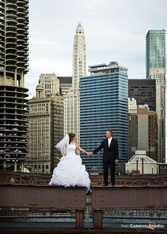 Omg...Wedding photo in downtown Chicago! Beauty in the chaos...