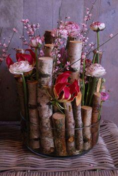 birch tree branches floral arrangement in glass bowl, beautiful. Flower Decorations, Wedding Decorations, Table Decorations, Ikebana, Deco Floral, Floral Design, Art Floral, Deco Nature, Tree Branches