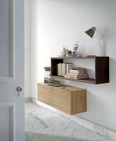 Aparador de la nueva colección Moss de la firma de prestigio Loyra, acabados en madera en tonos claros. Da un estilo nórdico y vanguardista a tu espacio. Medidas en 18 x 42 x 24 cm.