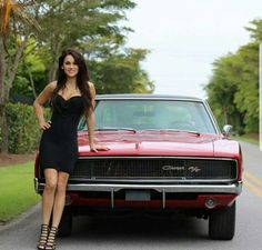 dodge charger classic cars for sales Ford Mustang, Up Auto, 1968 Dodge Charger, Mopar Girl, Dodge Muscle Cars, Car Buying Tips, Bmw Classic Cars, Custom Big Rigs, Pin Up