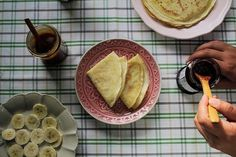 Amores tem receita nova lá no canal do YouTube: CREPE FRANCÊS!! Receitinha internacional fácil e com ingredientes simples... Passa lá para aprender como fazer: http://youtube.com/eusoquerotudo (link clicável na bio aqui do Instagram).  #eusoquerotudo #ViajandoeCozinhando by eusoquerotudo http://ift.tt/1WnxeIK