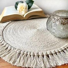 Diy Crafts For Home Decor, Diy Crafts Hacks, Diy Crafts For Gifts, Diy Wall Decor, Macrame Wall Hanging Diy, Rope Crafts, Macrame Design, Diy Décoration, Boho Diy