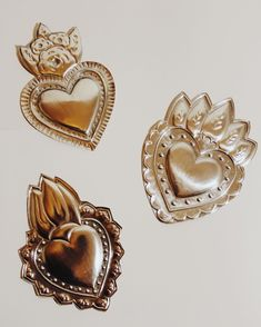 Sagrado Corazon Tattoo, Crafts For Teens, Arts And Crafts, Metal Embossing, Mexican Art, Sacred Heart, Creative Art, Pewter, Folk Art