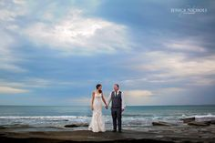 Beach wedding / Wedding photography /