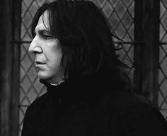 Harry Potter Severus, Alan Rickman Severus Snape, Harry Potter Film, Harry Potter Universal, Harry Potter Characters, Alan Rickman Movies, Severus Rogue, Slytherin Aesthetic, Harry Potter Pictures