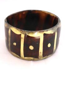 Bracelet oversize en corne de la boutique Imodivintage sur Etsy