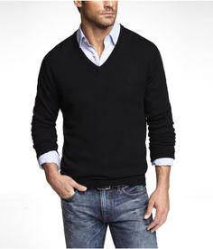 FITTED MERINO WOOL V-NECK SWEATER | Express