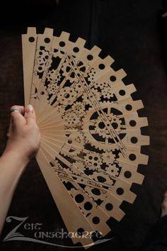 emporioefikz:  Handmade Steampunk Fan byZeitunschaerfe  H/T Mélanie Hoppe