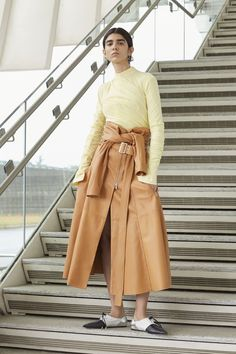Sportmax Resort 2019 collection, runway looks, beauty, models, and reviews.