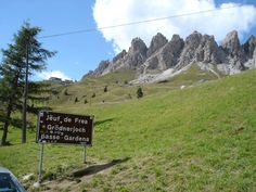 Passo Gardena (2121 m) - Alpi Occidentali Mountain Pass, Mountains, Nature, Travel, Climbing, Viajes, Traveling, Nature Illustration, Off Grid