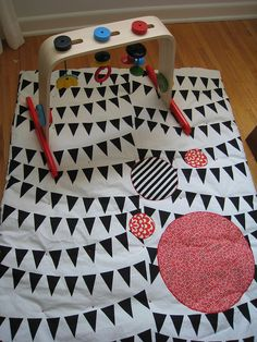 Baby plat mat- red, black and white