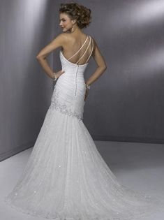 one shoulder wedding dress <3