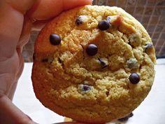 Η Σοφη Τσιωπου μαςξετρέλανεόλουςμεαυτάταυπέροχαcookies,ταοποίαείναι  τόσοεύκολαπου ταέφτιαξεμε το 10χρονο γιο της!!!Δείτεδυολαχταριστέςσυνταγέςγιανηστίσιμαcookiesσοκολάτα  καινηστίσιμαcookies βανιλια!    Νηστίσιμα κούκις βανίλιας!!!    ΥΛΙΚΑ ΓΙΑ 15 ΜΕΓΑΛΑ ΚΟΎΚΙΣ 'Η 30 ΜΙΚΡΑ    1 και 1/3 και 1/4 φλιτζάνια αλεύρι για όλες τις χρήσει Biscuits, Muffin, Food And Drink, Sweets, Vegan, Cookies, Breakfast, Desserts, Recipes