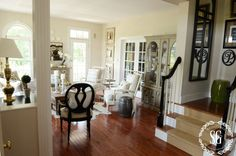 Hutch-Living-Room-Styled-windows-and-hutch-stonegableblog.com_.jpg 900×596 pixels